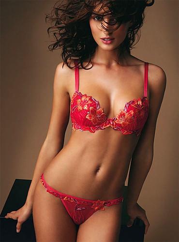 catrinel-menghia-red-bikini-pic