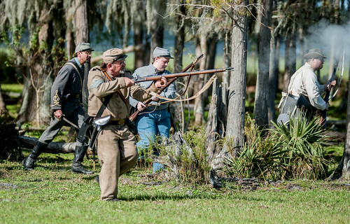 Civil war reenactors in action-7.jpg