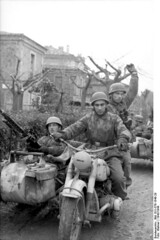 """Italy - German paratroopers 1943 • <a style=""""font-size:0.8em;"""" href=""""http://www.flickr.com/photos/81723459@N04/13695982013/"""" target=""""_blank"""">View on Flickr</a>"""