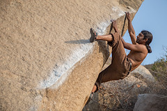 goan corner Fb 7c (sami kuosmanen) Tags: india rock corner boulder climbing bouldering karnataka kivi hampi kiipeily arette goan intia kantti boulderointi