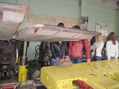 Студенты ДонНТУ в лаборатории кафедры горные машины