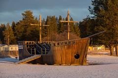 Pirate ship (Byskan) Tags: winter river vinter december sweden resort sverige havsbad byske byskelven byskanse byskan