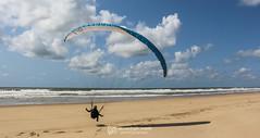 IMG_9227 (Laurent Merle) Tags: beach fly outdoor dune cte vol paragliding soaring ozone plage parapente atlantique ocan glisse littlecloud spiruline