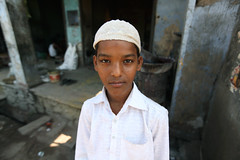 Young boy  Bundi (Julien Mailler) Tags: world street travel boy portrait people india asian julien kid asia child indian young asie indien rajasthan inde nationalgeographic asiatique bundi rajasthani reflectionsoflife lovelyphotos jules1405 unseenasia earthasia mailler
