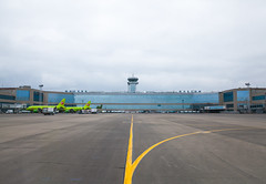 DME Airport Spotting (Andrey Wild) Tags: plane airplane airport spotting dme domodedovo