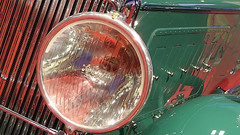 A12826 / car show details: 1931 minerva al convertible sedan by rollston (janeland) Tags: sanfrancisco california november red abstract detail green 1931 reflections circle automobile headlamp minerva mosconecenter 94103 2015 sanfranciscointernationalautoshow pe0