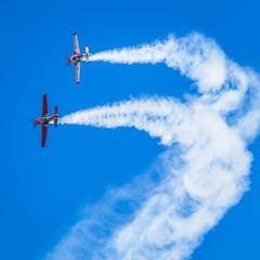 2 x Extra II (niechtoszlag) Tags: extra piknik samolot chelm lotniczy chem pikniklotniczy depultycze deputycze