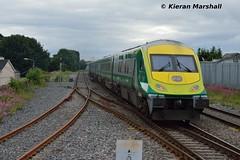 4007 passes Portlaoise, 25/6/16 (hurricanemk1c) Tags: irish train rail railway trains railways caf irishrail intercity portlaoise 2016 4007 mark4 iarnrd ireann iarnrdireann 1705heustoncharleville