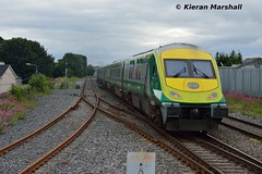 4007 passes Portlaoise, 25/6/16 (hurricanemk1c) Tags: irish train rail railway trains railways caf irishrail intercity portlaoise 2016 4007 mark4 iarnród éireann iarnródéireann 1705heustoncharleville