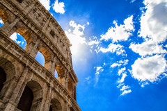 Colosseo Sky (Sbastien Turpin Photography) Tags: blue light sky sun rome roma blanco luz sol monument clouds canon soleil nuvola roman blu ciel cielo lumiere april coliseum rays mm sole nuages bianco efs azur rayons gladiator titus colosseo sbastien colossus 1755 turpin colisee 2016 flavien antichita amphiteatro 1755mm flavius efs1755 amphithater anitquit