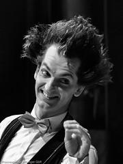 2016-06-02 Zirkus Roncalli (sandraalbinger) Tags: show training deutschland tiere artist hessen eingang clown huskies kinder mann frau orte ereignisse clowns pferde spitz fulda freizeit hunde zelt jugend manage zirkus artisten zirkuszelt dompteur ochsenwiese umrandung trainiert jugendtraum berufgruppen zirkusmitarbeiter