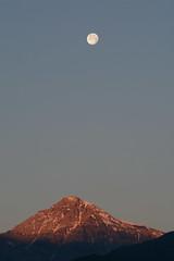 FEM_7208m (MILESI FEDERICO) Tags: summer italy moon detail sunrise landscape nikon europa europe italia estate alba details luna piemonte dettagli piedmont luce paesaggio valsusa dettaglio 2016 nital valdisusa milesi valledisusa d7100 visitpiedmont lunagrande valliolimpiche nikond7100 milesifederico