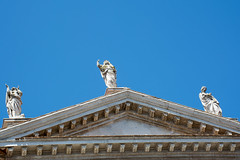 Figuren (grasso.gino) Tags: italien roof italy church nikon italia dom kirche urbino dach figures marche marken figuren d5200