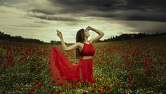 Calope (pasotraspaso. Jesus Solana Fine Art Photography) Tags: clouds fineart tragedy poppy poppies ninfas caliope amapolas musas ninf