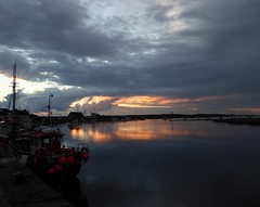 Wells-next-the-Sea, Norfolk (laura.piepad) Tags: uk sunset sea england boats harbour norfolk wells eastanglia wellsnextthesea northnorfolk norfolkcoast