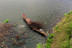 Manikgonj, Bangladesh    2016 (Aranya Ehsan) Tags: people life lifestyle dailylife river color colors water boat boatman
