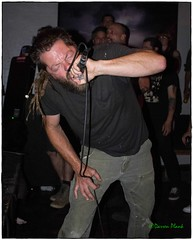 Pressing On, The Know, Portland, OR, 7-1-2016 (convertido) Tags: pink bandana macho boys sterile mind pressing on portland oregon oakland california chico bay area pdx or ca the know punk hc hardcore live show music concert photography black white
