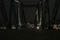 Walk that bridge! (S. Ruehlow) Tags: bridge light night river lights licht nacht frankfurt main brücke fluss altstadt frankfurtammain lichter ffm langzeitbelichtung pfeiler eisernersteg rivermain frankfurtam langzeitaufnahme brückenpfeiler nächtlichebeleuchtung