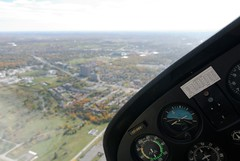 Turning left (auvol) Tags: sky ontario canada view ottawa horizon north cockpit aerial east qubec left airborne far vue turning cessna 172 2012 gauche arienne artificiel virage outaouais
