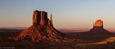The fading sunlight (Thomas Frejek) Tags: arizona usa monumentvalleynavajotribalpark 2013 westmittenbutte eastmittenbutte tsbiindzisgaii oljatomonumentvalley