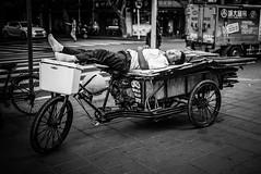 some deserved  rest (Oakwood_) Tags: china leica portrait men nikon women shanghai yeux m 35 summilux originaliphoto