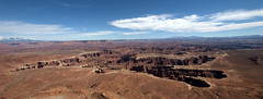 Canyon Panorama (VinayakH) Tags: usa utah nationalpark unitedstates canyonlandsnationalpark canyonlands islandinthesky