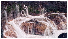 Cascade marine / Sea waterfall (djimos) Tags: sea mer mamiya reunion kodak run 100 runion argentique rz67 ektar iledelarunion reunionisland 974 proii pointeausel effetfil sylverfilm djimos