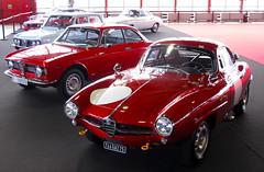Alfa Romeo Giulietta Sprint Coupe Speciale del 61 y (izq) Giulia GT del 68 en ClassicAuto