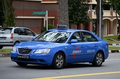 Comfort Hyundai Sonata Taxi (nighteye) Tags: singapore taxi comfort hyundai sonata nf