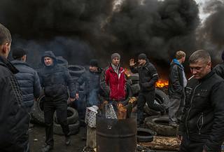 乌克兰不顾俄警告攻击东部亲俄武装