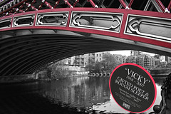 Vicky (SafarFiertze) Tags: bridge canal homeless leeds poet vicky
