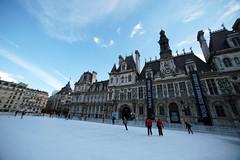 Skating (Fuhirees) Tags: winter paris ice ex hoteldeville sigma wideangle skaters skate manual f28 2015 14mm noussommescharlie parisestcharlie