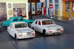 Peugeot 304 & 504 Norev (Pittou2) Tags: nx nx10 samsung miniature voiture jouet toys france byluc norev plastique ancien toy car diorama figurine décor peugeot peugeot304 peugeot504 peugeot304norevblanche