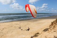 IMG_9246 (Laurent Merle) Tags: beach fly outdoor dune cte vol paragliding soaring ozone plage parapente atlantique ocan glisse littlecloud spiruline