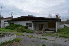 DSC_1279 (Cory Seamer) Tags: abandoned pennsylvania resort poconos swingers urbex pennhills honeymoonresort