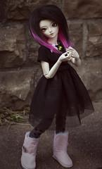 Like a covermodel (la manie) Tags: pink black rose fur slim emo mini scene bjd fairyland msd mnf shushu minifee