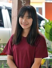 pretty young lady with silver braces (the foreign photographer - ) Tags: lady portraits silver thailand nikon pretty braces bangkok young khlong bangkhen thanon d3200 apr302016nikon