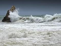 Ocan (JMVerco) Tags: mer sea mare vagues portugal coth coth5 flickrchallengegroup bestofshining sailsevenseas