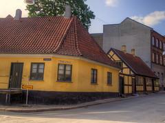 H.C. Andersens Barndomshjem (MikeAncient) Tags: geotagged denmark danmark hdr odense tonemapped tonemap tanska 5exp