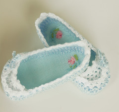 bb3 (Maria Kłopotowska) Tags: doll crochet slippers littledarling shoesdoll