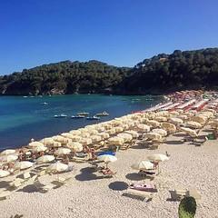 Iniziamo la settimana con la spiaggia di #fetovaia nello splendido scatto di Lorenzo Peduto dal gruppo isola d'elba.. amore a prima vista. Continuate a taggare le vostre foto con #isoladelbaapp il tag delle vostre vacanze all'#isoladelba (isoladelbaapp) Tags: rio marina elba porto di campo azzurro portoferraio marciana isoladelba capoliveri visitelba