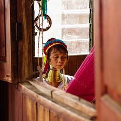 IMGP7659 (Montre ce qu'il voit!) Tags: portrait people colors landscape gold golden julien asia pentax couleurs burma religion buddhism myanmar asie mm shan paysage budda vidal gens k5 birmanie boudhisme myanmarbirmanie