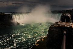 Niagara Falls (HVargas) Tags: ca ontario canada rock river table niagarafalls waterfall outdoor canadian niagara falls horseshoe catarata cascada panoramapano landscapelandscenic