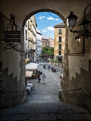 Arco de Cuchilleros (mindweld) Tags: plazamayor madridspain arcodecuchilleros