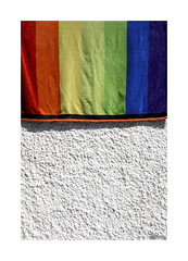 Playeando... (ngel mateo) Tags: espaa colors wall pared andaluca spain playa colores tole andalusia almera cabodegata mediterraneansea toalla marmediterrneo ngelmartnmateo ngelmateo