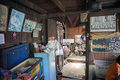 restaurant (kuuan) Tags: street leica color thailand restaurant king photos sony m mf manualfocus woodhouse f4 a7 voigtlnder royals skopar 21mm chanthaburi kingbhumibol voigtlndercolorskoparf421mm