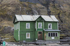 Port Sea Office, Barentsburg, Svalbard. (mjevons1) Tags: norway nikon svalbard alr barentsburg d7200 portseaoffice
