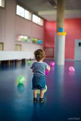 Avant le bal... (LACPIXEL) Tags: children nikon flickr colours fiesta couleurs colores colegio fte fx enfant nino salle bal collge d4s ballondebaudruche nikonfrance globl lacpixel