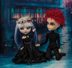 Surprise for You (twilitize) Tags: camera girls boy cute art girl beautiful beauty canon cool doll dolls dragon good awesome adorable cutie pop creepy adventure groove pullip dolly popular darling pullips daring dragongirl dollphotography canonphotography taeyang pullipphotography