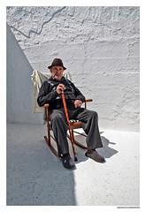 Los Años (Natalio Gonzalez) Tags: pared retrato sombra papa sombrero viejo hombre abuelo años salobreña natalio bastón nataliogonzález mercedora
